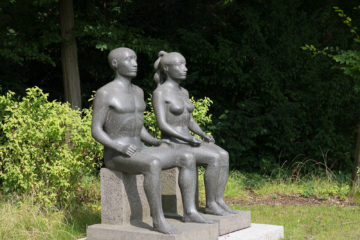 Klaus Kütemeier: Sitzendes Paar, (Foto: KUNST@SH/Jan Petersen, 2017)
