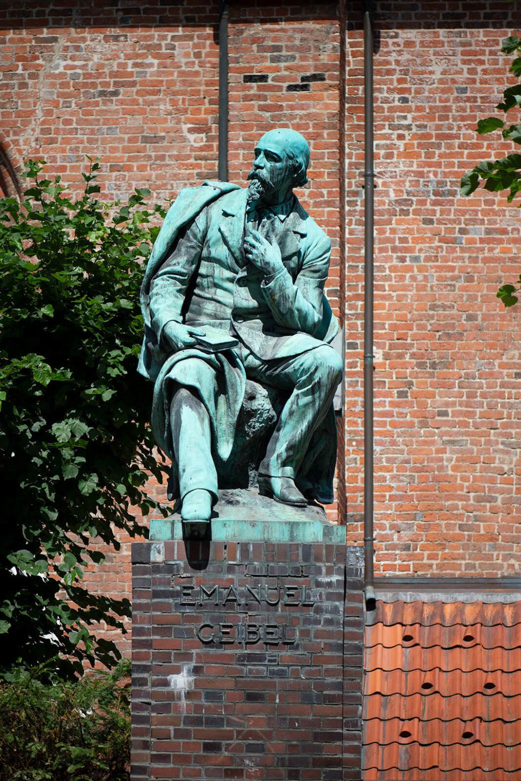 Hermann Volz: Denkmal für Emanuel Geibel (Foto: KUNST@SH/Jan Petersen, 2019)