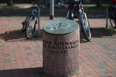 Ulrich Lindow: Adenauer-Gedenkstein, (Foto: KUNST@SH/Jan Petersen, 2017)