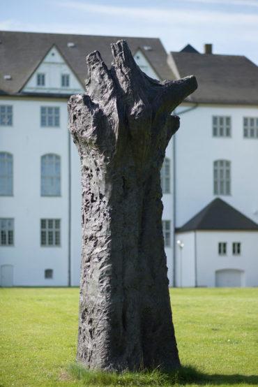Magdalena Abakanowicz: Handlike Tree – Figura Ultima, (Foto: KUNST@SH/Jan Petersen, 2018)