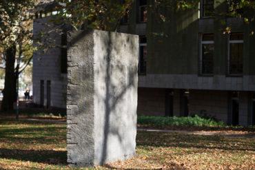 Ulrich Rückriem: Monument für die Deportierten (Foto: KUNST@SH/Jan Petersen, 2018)