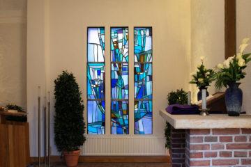 Dagmar Schulze-Ross: Glasfenster der Kapelle Elmschenhagen
