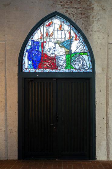 Markus Lüpertz: Tympanonfenster (Foto: KUNST@SH/Jan Petersen, 2019)