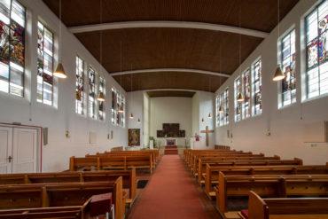 Claus Wallner: Fenster der St. Markus Kirche (Foto: KUNST@SH/Jan Petersen, 2019)