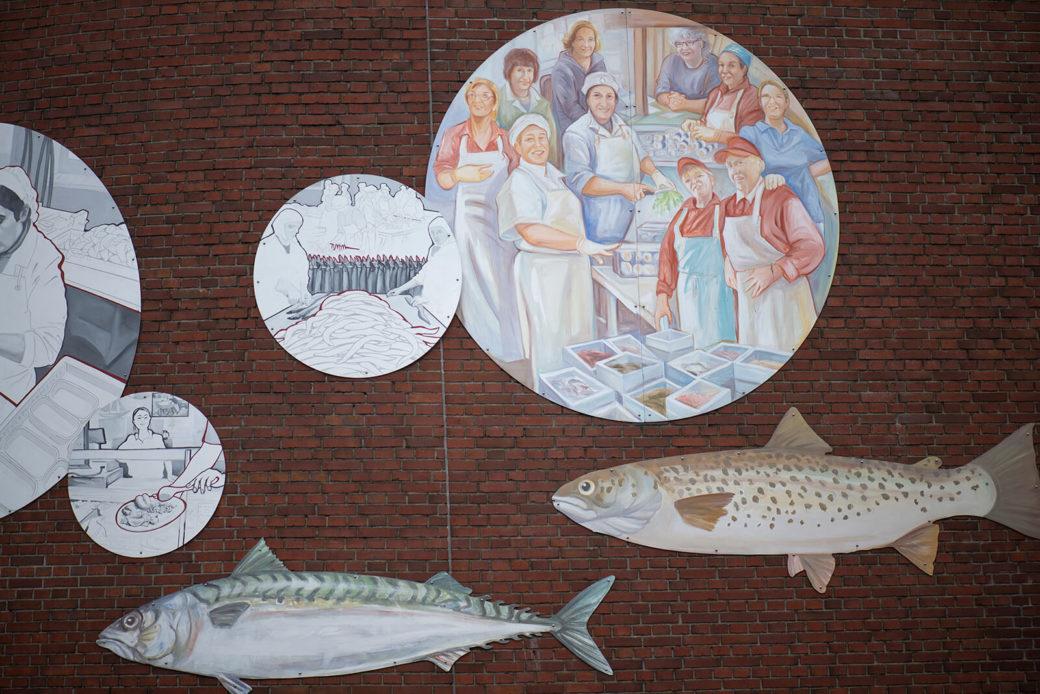 Hildegund Schuster & Cecilia Herrero: Frauen in Fischindustrie und am Fischmarkt (Foto: KUNST@SH/Jan Petersen, 2019)