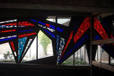 Ernst Günter Hansing: Bleiglasfenster im Eivind-Berggrav-Zentrum (Foto: KUNST@SH/Jan Petersen, 2019)