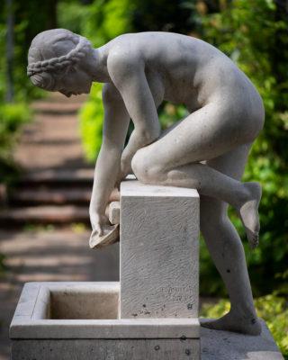 Ernst Müller-Braunschweig: Wasserschöpfendes Mädchen (Foto: KUNST@SH/Jan Petersen, 2019)