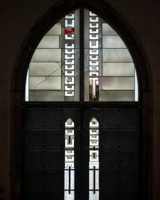 Johannes Schreiter: Fenster des Westportals (Foto: KUNST@SH/Jan Petersen, 2019)