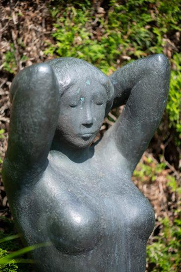 Maren Lipp: Weiblicher Halbakt (Foto: KUNST@SH/Jan Petersen, 2019)