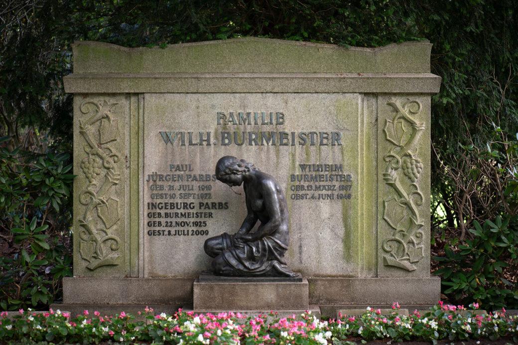 Oskar Ulmer: Grabmal Burmeister (Foto: KUNST@SH/Jan Petersen, 2019)