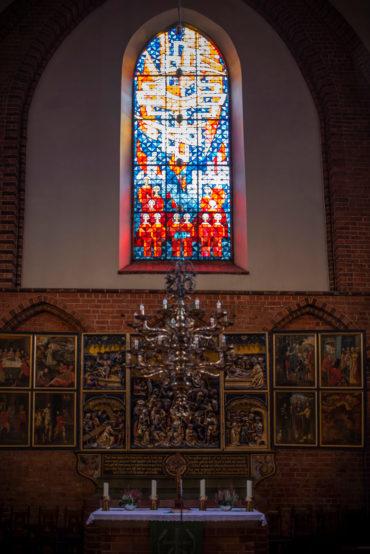 Siegfried Assmann: Motivfenster Meldorfer Dom (Foto: KUNST@SH/Jan Petersen, 2019)