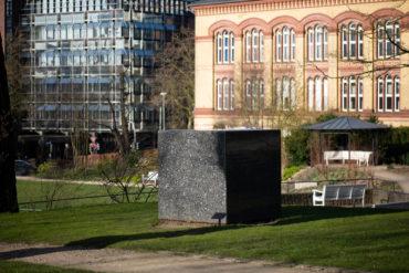 Karl Prantl: Stein zur Meditation (Foto: KUNST@SH/Jan Petersen, 2020)