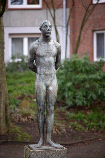 Doris Waschk-Balz: Stehender Mann (Foto: KUNST@SH/Jan Petersen, 2020)