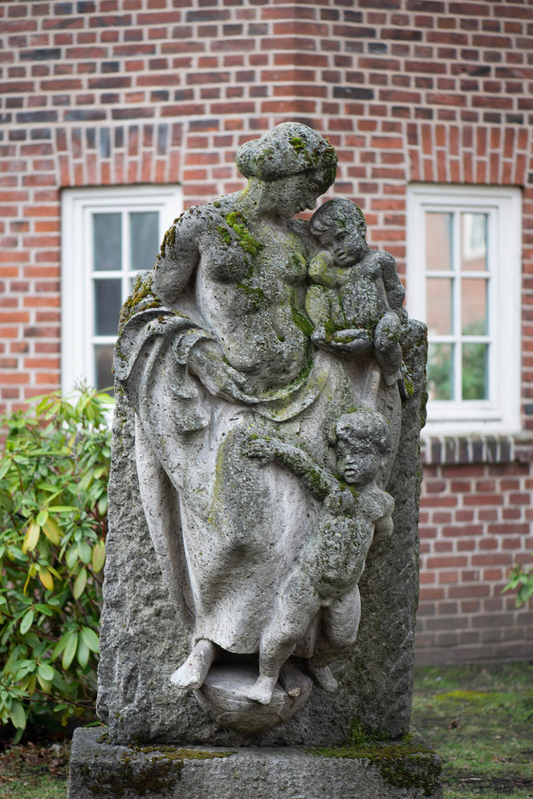 Friedrich Wield: Mutter mit Kindern (Foto: KUNST@SH/Jan Petersen, 2020)