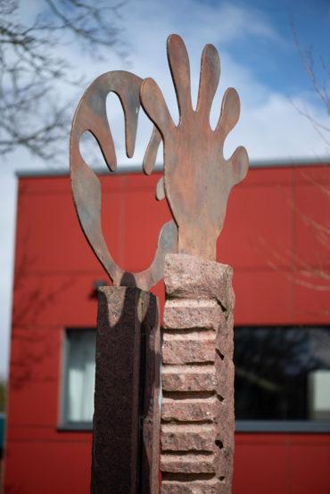 Karin Weißenbacher: Hand in Hand(Foto: KUNST@SH/Jan Petersen, 2020)
