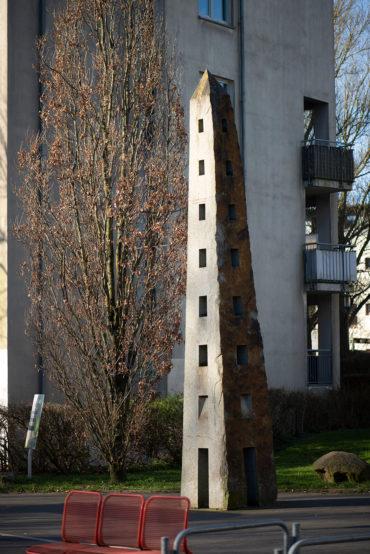 Jo Kley: Obelisk (Foto: KUNST@SH/Jan Petersen, 2020)