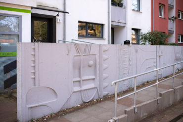 Veronika Schlüter-Stoll: Reliefwand (Foto: KUNST@SH/Jan Petersen, 2020)