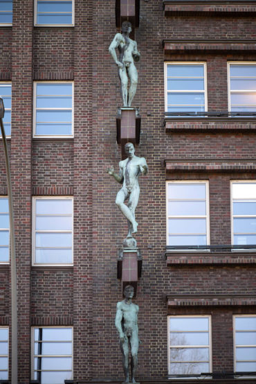 Karl Opfermann: 6 Männerfiguren (Foto: KUNST@SH/Jan Petersen, 2020)