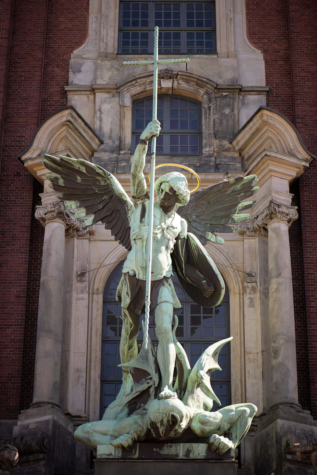 August Vogel: Erzengel Michael im Kampf mit dem Satan (Foto: KUNST@SH/Jan Petersen, 2020)