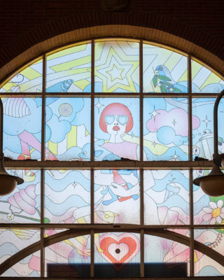 Kitzig Interior Design: Fenstergestaltung Sternschanze (Foto: KUNST@SH/Jan Petersen, 2020)