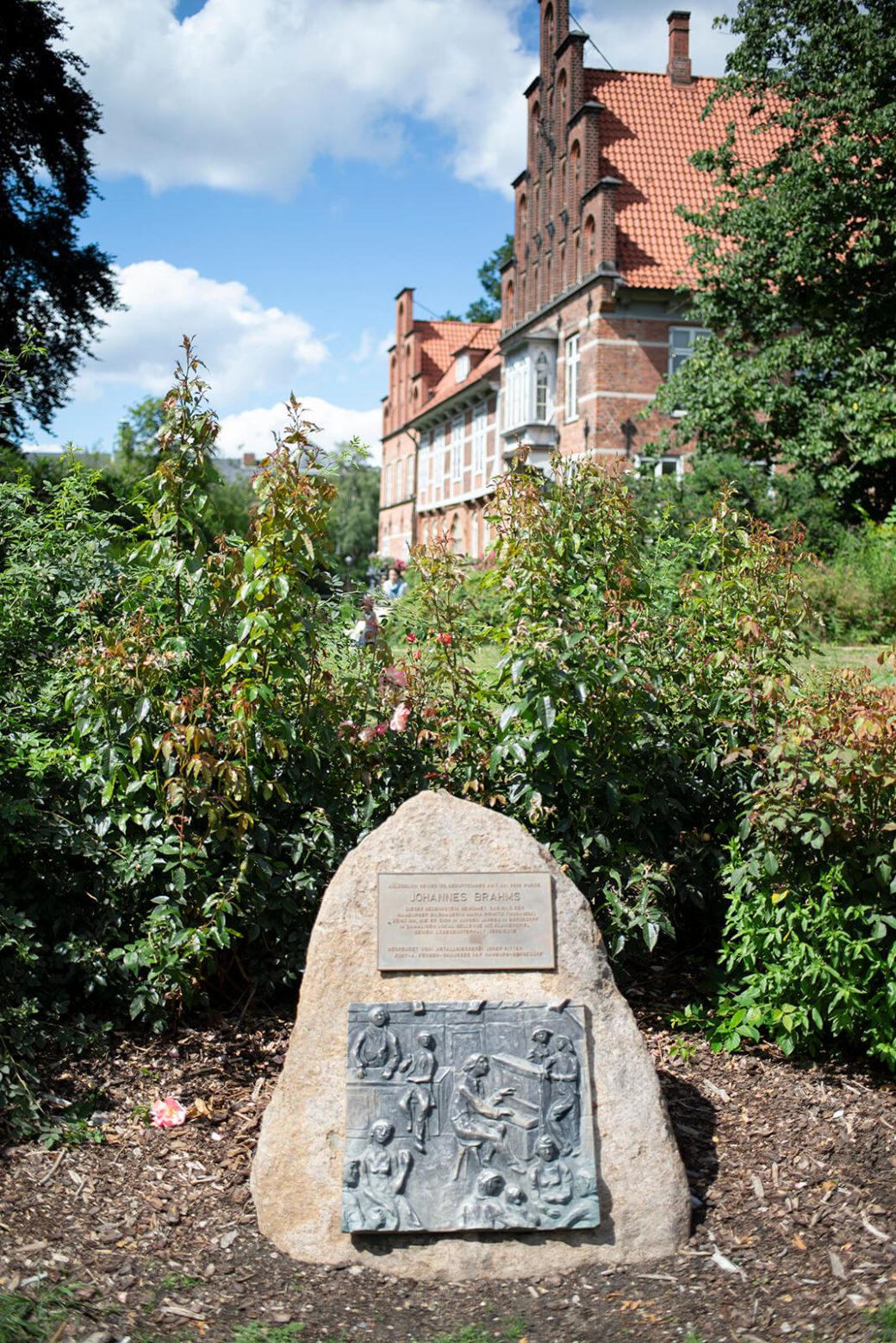 Maria Pirwitz: Gedenkstein für Johannes Brahms (Foto: KUNST@SH/Jan Petersen, 2020)