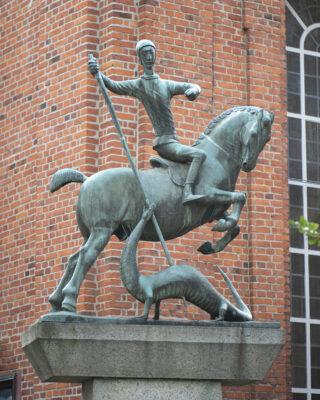 Gerhard Marcks: St. Georg mit dem Drachen (Foto: KUNST@SH/Jan Petersen, 2021)