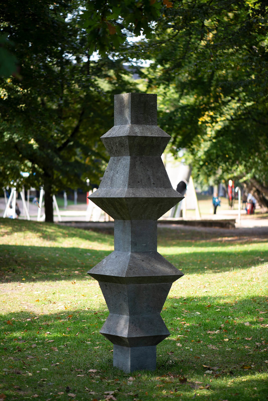 Klaus Becker: Säule für den Lohmühlenpark (Foto: KUNST@SH/Jan Petersen, 2020)