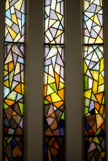 Wilhelm Berkentien: Fenster in der Apsis (Foto: KUNST@SH/Jan Petersen, 2020)