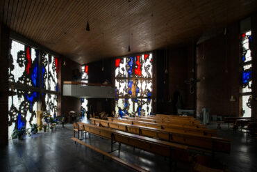 Johannes Beeck: Beton-Dallglasfenster (Foto: KUNST@SH/Jan Petersen, 2020)