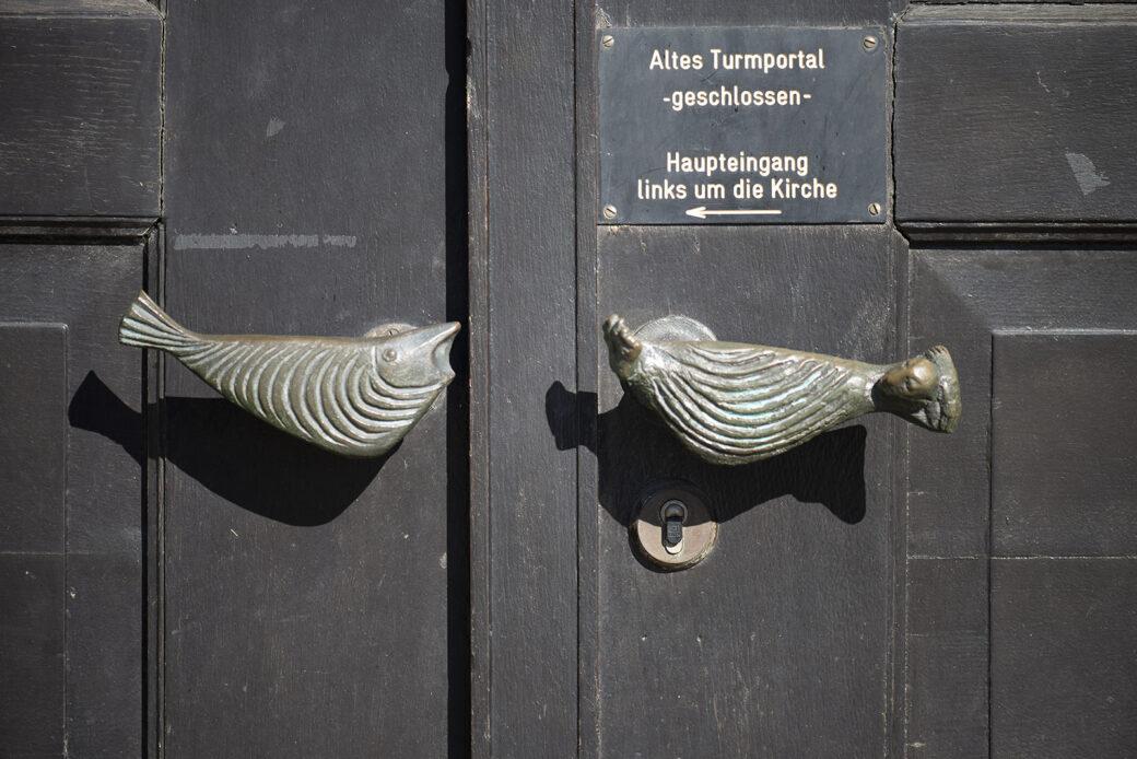 Karl Heinz Engelin: 6 Türgriffe St. Georg Kirche (Foto: KUNST@SH/Jan Petersen, 2021)
