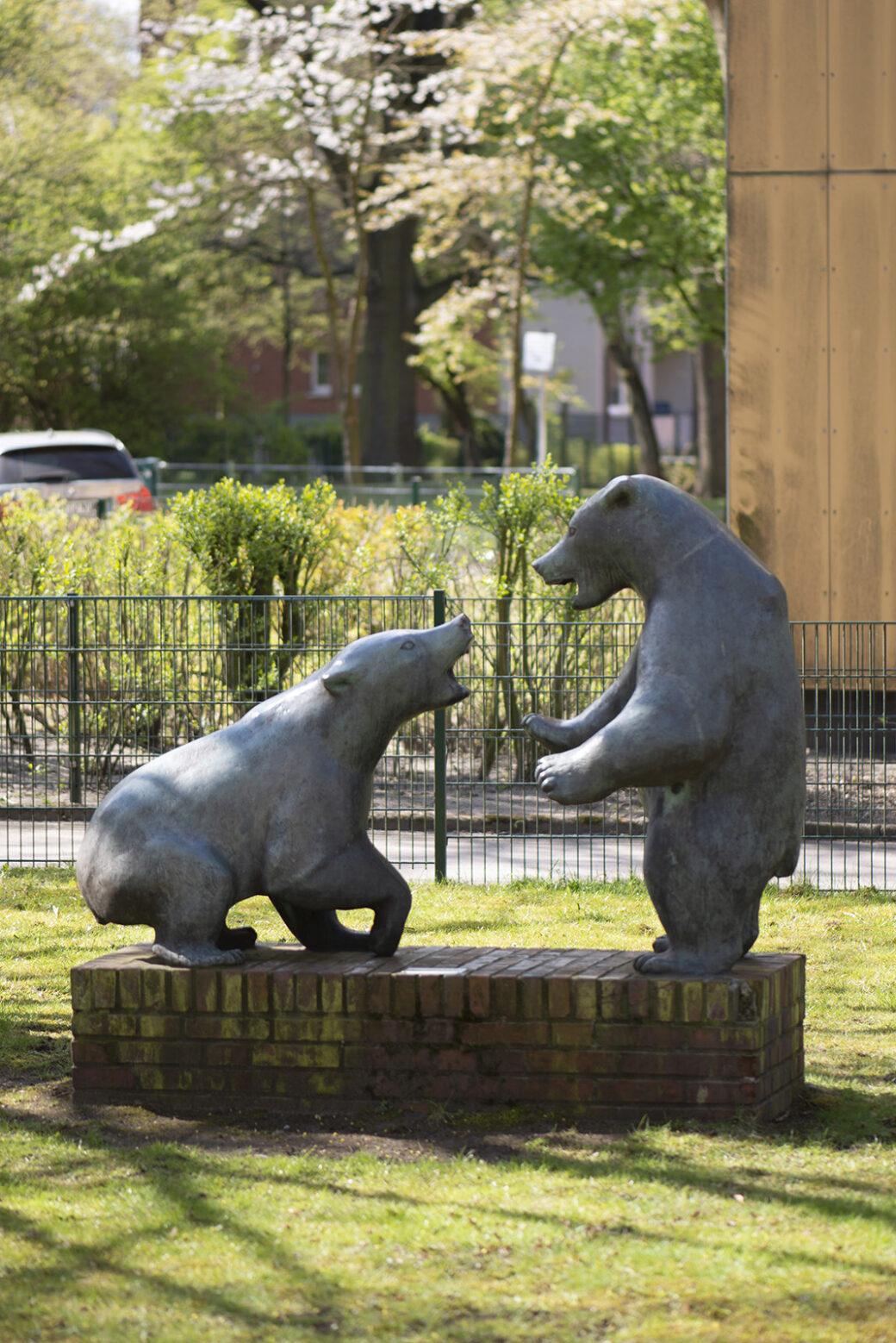 Kurt Bauer: Zwei Eisbären (Foto: KUNST@SH/Jan Petersen, 2021)