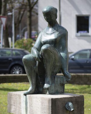 Barbara Haeger: Sitzende (Foto: KUNST@SH/Jan Petersen, 2021)