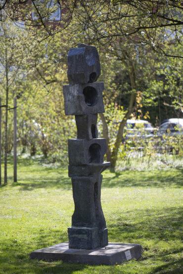 Karl-August Ohrt: Atmende Stele (Foto: KUNST@SH/Jan Petersen, 2021)