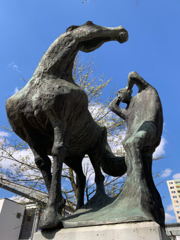 Karl Heinz Engelin: Mann und Pferd (Foto: KUNST@SH/Jan Petersen, 2021)