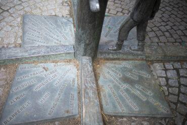 "Inka Uzoma: ""Wo ist eigentlich Hamburg-Fuhlsbüttel"" (Foto: KUNST@SH/Jan Petersen, 2021)"