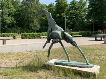 Hans Martin Ruwoldt: Laufende Giraffe (Foto: KUNST@SH/Jan Petersen, 2021)