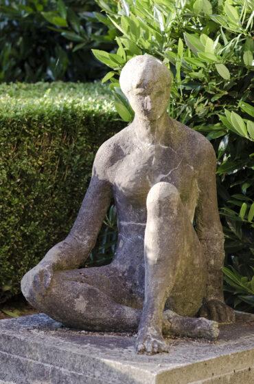 Margarete Weidling-Roehse: Sitzende (Foto: KUNST@SH/Jan Petersen, 2012)