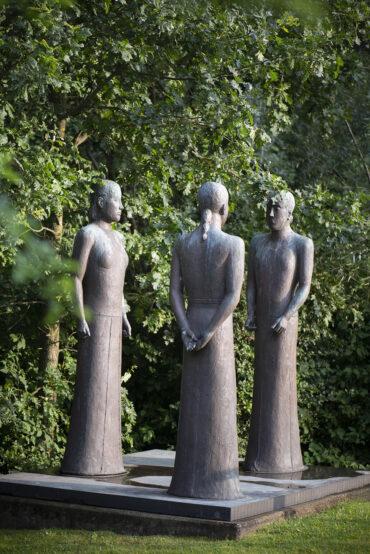Edgar Augustin: Drei Frauen (Foto: KUNST@SH/Jan Petersen, 2021)