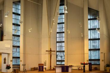 Joachim Edgar Klos: Drei Bleiglasfenster (Foto: KUNST@SH/Jan Petersen, 2021)