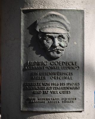 Waldemar Gerwin-Cranz: Gedenktafel für Ludwig Goedecke (Foto: KUNST@SH/Jan Petersen, 2019)