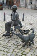 Bernd Maro: Schuster mit Hund