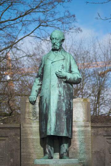 Heinrich Mißfeldt: Klaus Groth Denkmal, (Foto: KUNST@SH/Jan Petersen, 2017)