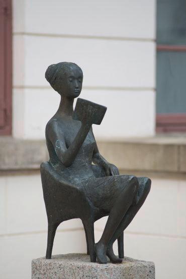 Karlheinz Goedtke: Die Lesende, (Foto: KUNST@SH/Jan Petersen)