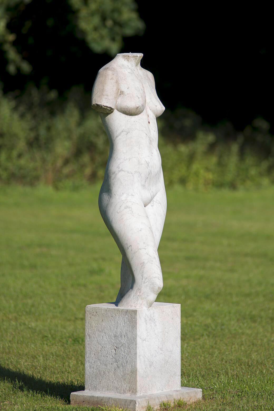 Klaus Kütemeier: Stehender weiblicher Torso, (Foto: KUNST@SH/Jan Petersen)