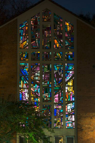 Alfred Roß und Dagmar Schulze-Roß: Altarfenster der Bugenhagenkirche (Foto: KUNST@SH/Jan Petersen, 2013)