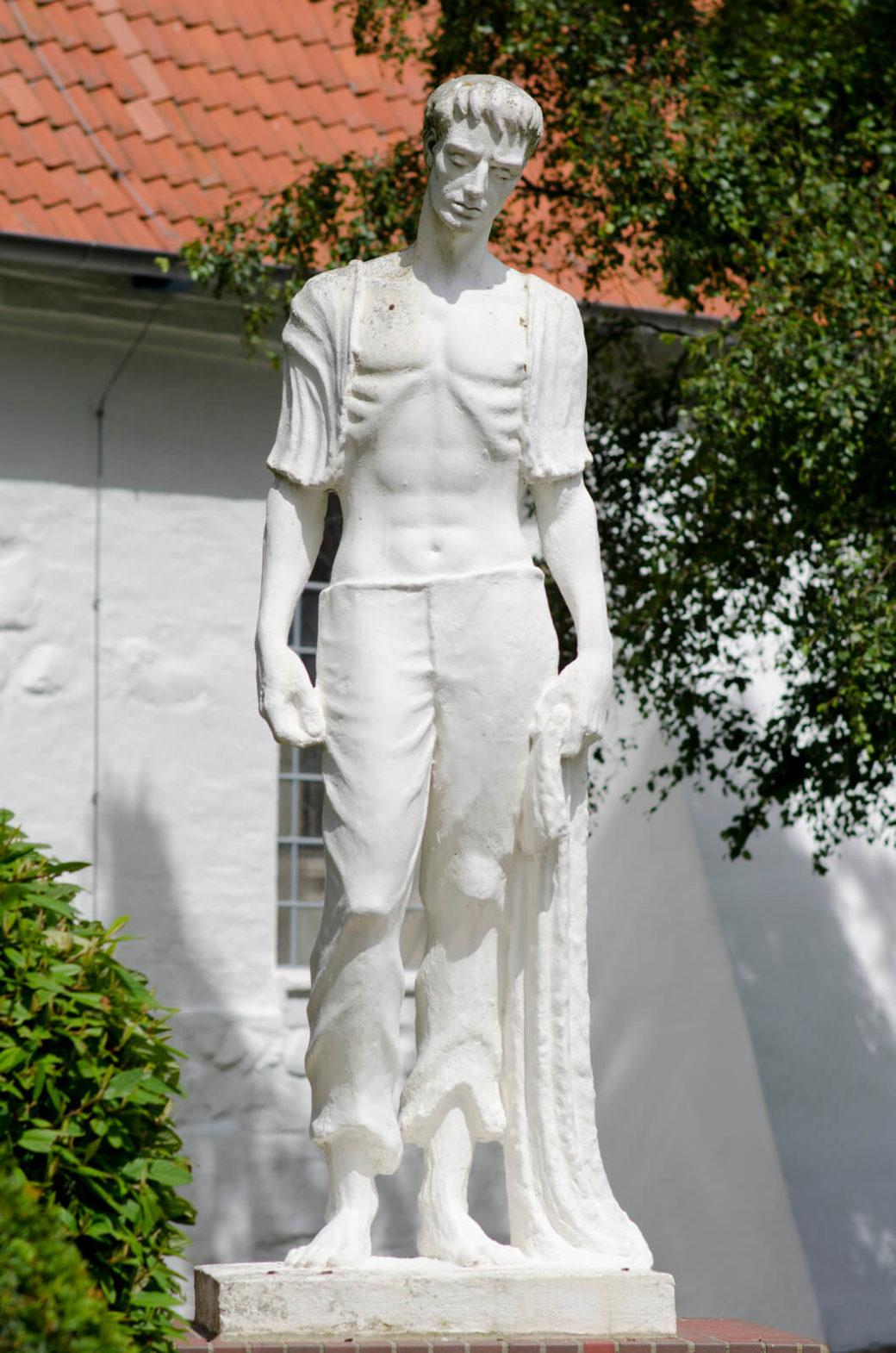 Wilhelm Joh. (Willi) Schwinghammer: Denkmal für die Kriegsheimkehrer, (Foto: KUNST@SH/Jan Petersen)
