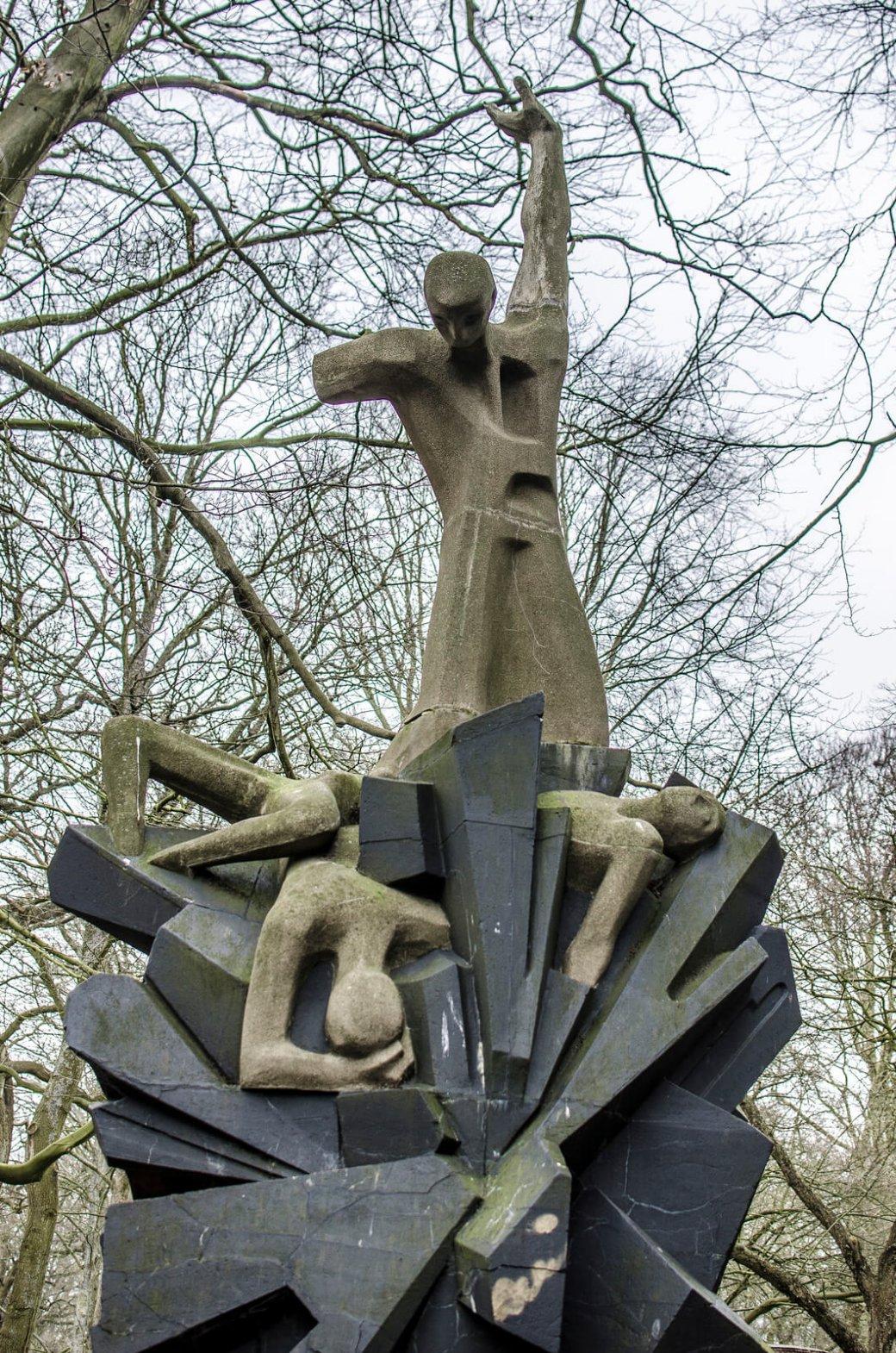 Siegfried Assmann und Hans-Jochem Feddersen: Mahnmal für die Opfer aller Kriege, (Foto: KUNST@SH/Jan Petersen)