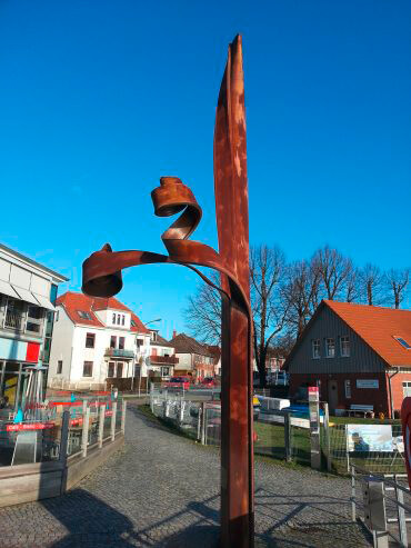 Verformte Spundbohle in Neustadt, (Foto: KUNST@SH/Jan Petersen)