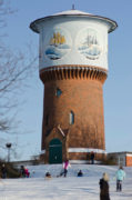 Schiffsmotive am Wasserturm